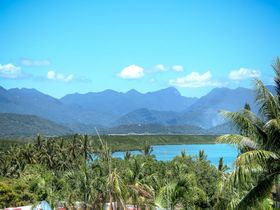 Port Douglas Accommodation Point 8 Villa 2 bedroom sea views