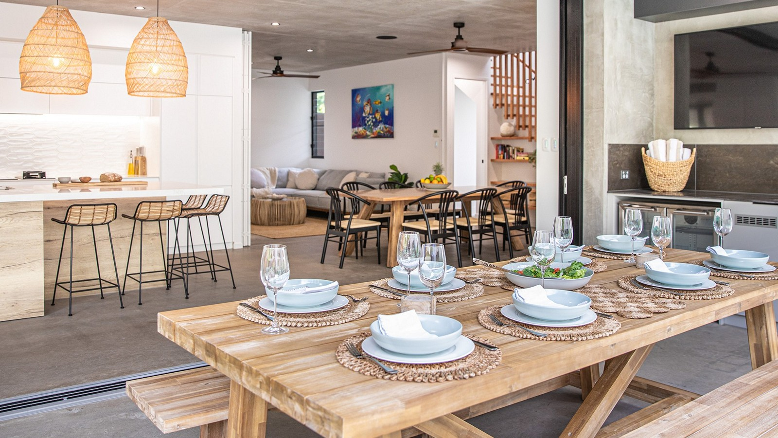 Contemporary house showing set dining table